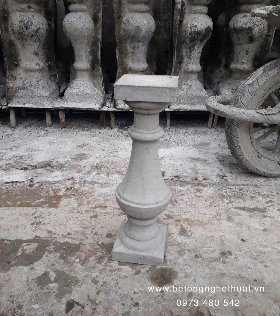 Con tiện bê tông tròn cao 47cm
